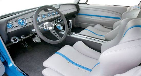 ford_mustang_internal